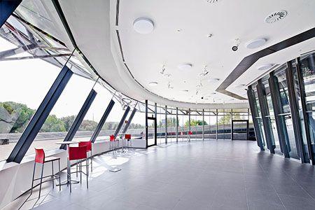 Edificio Cielo iGuzzini