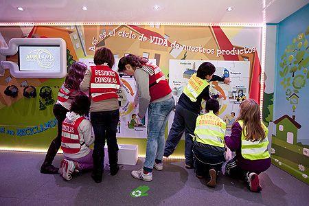 Escuela de Reciclaje baja 450 niños