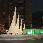 Iluminación del monumento Vela en Benalmádena