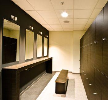Los baños necesitan productos adecuados a ambientes con humedad y calor, y aquí la versión con IP66 de este downlight cumple con los requerimientos