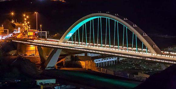 Nuevo sistema de alumbrado que incluye un tratamiento cromático del arco del viaducto