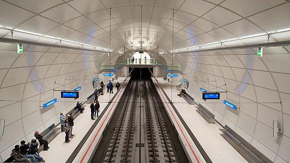 Tecnología LED en el Metro Donostialdea de San Sebastián