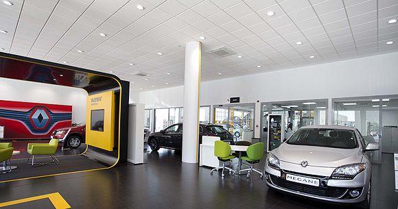Iluminación del concesionario de Renault, Autocarpe