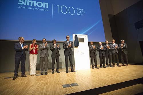 Descubrimiento de placa conmemorativa SIMON 100500