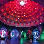KATENA, un espacio mágico de luz y color creado por Alan Parkinson