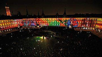 El primer viaje en «video mapping» por la historia de la Plaza Mayor de Madrid