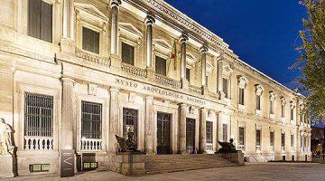 Museo Arqueológico de Madrid: objetos históricos escenificados de forma moderna
