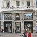 Madrid, las pantallas led y los comercios: un trío que debe entenderse