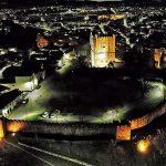 Módulos Retrofit de iluminación LED para las luminarias que rodean la muralla del casco histórico de Bragança